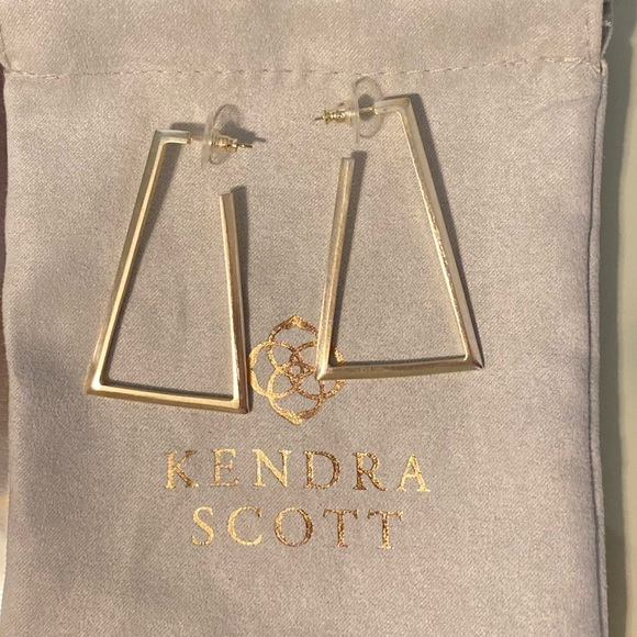 Kendra Scott Jewelry - Kendra Scott Easton Hoop Earrings in Gold